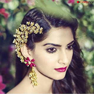 Sonam Kapoor Bollywood ~ .xyz Exclusive 003.jpg