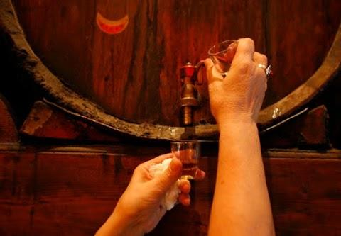 Το ρακόμελο στην κορυφή: Στα 10 καλύτερα ποτά του κόσμου!