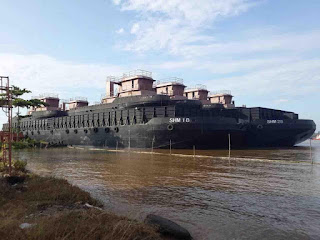 For sale Barge 300ft and Barge 270ft