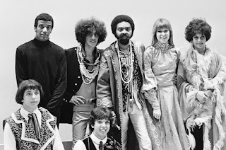 Tropicalia - Caetano Veloso, Gilberto Gil, Os Mutantes ( Rita Lee, Sergio Dias, Arnaldo Baptista) , Jorge Ben, Gal Costa