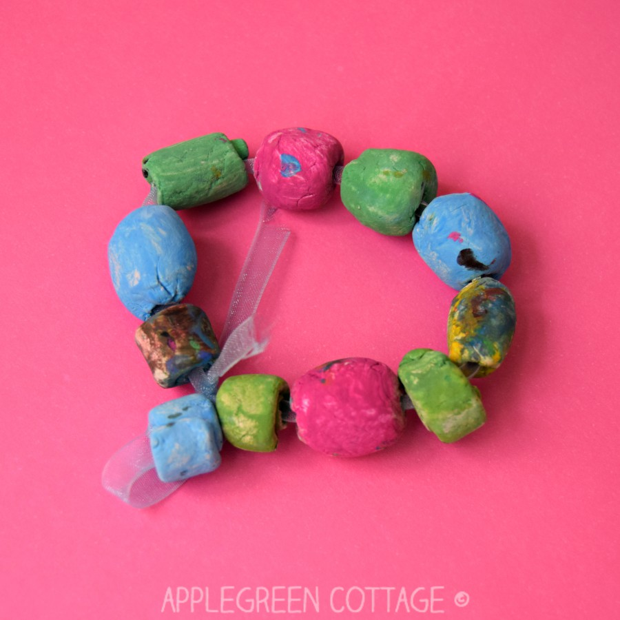 how to make bracelet of clay