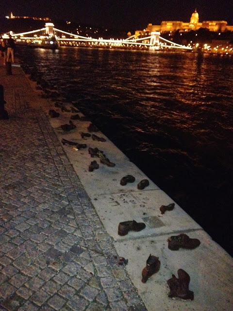 Memorial zapatos de los judíos en el Danubio
