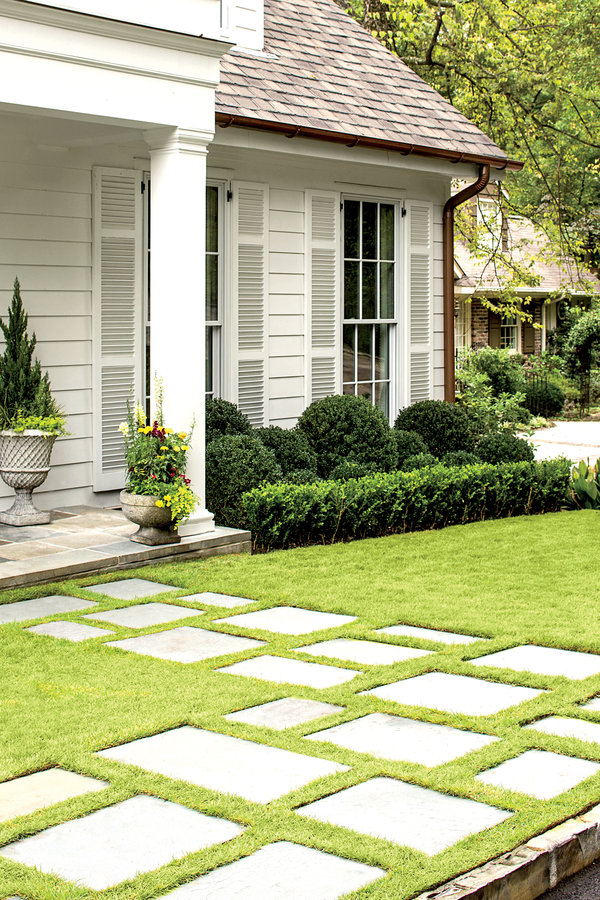 Walkway Through the Grass | Southern Living