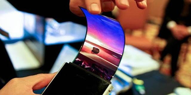 Smartphone layar melengkung