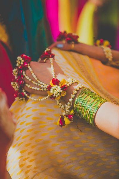 Hathphool for a bride