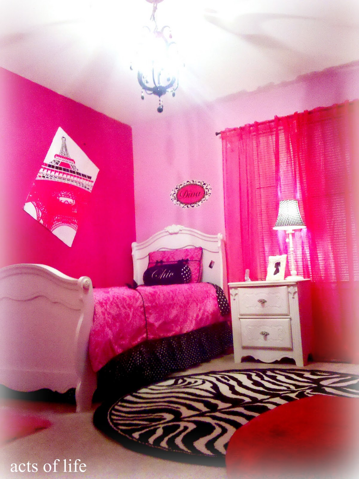 Acts of Life: Hot pink Bedroom! My daughters bedroom project