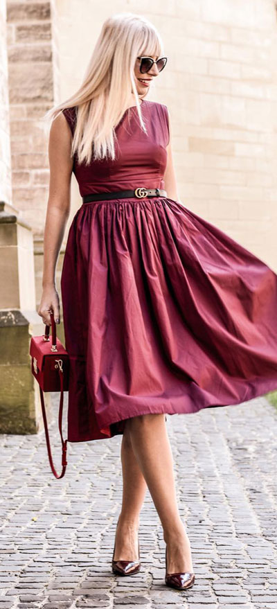 Find sexy valentines day clothes and valentines day fashion. 31+ Cute Valentines Day Outfits for Every Type of Date. Sleeveless midi dress   Valentine style via higiggle.com #valentine #fashion #outfits #love