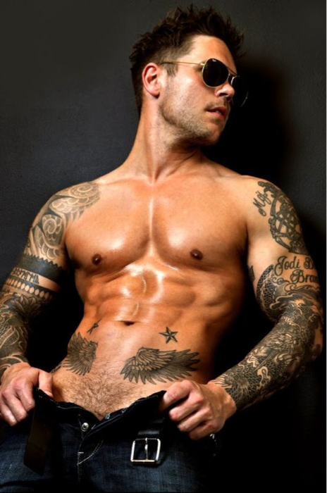 Hot guys with tattoos pics