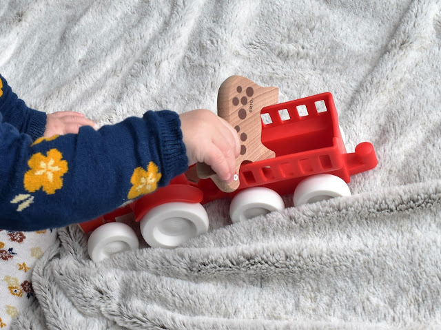 BRIO Farm Tractor Set | A Review