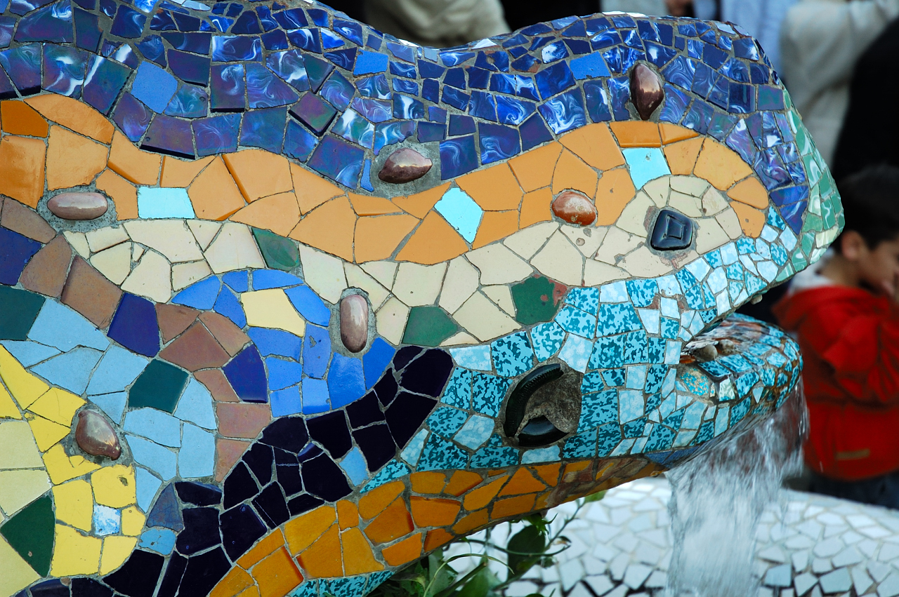 Trencadis Lizard by Gaudi at Park Guell, Barcelona