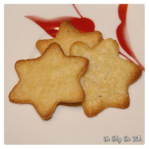 http://unblogdefille.blogspot.com/2014/12/recette-sables-de-noel-aux-epices-au.html