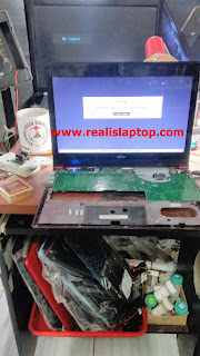 Service Laptop Fujitsu UH572 Layar Mati / No Display