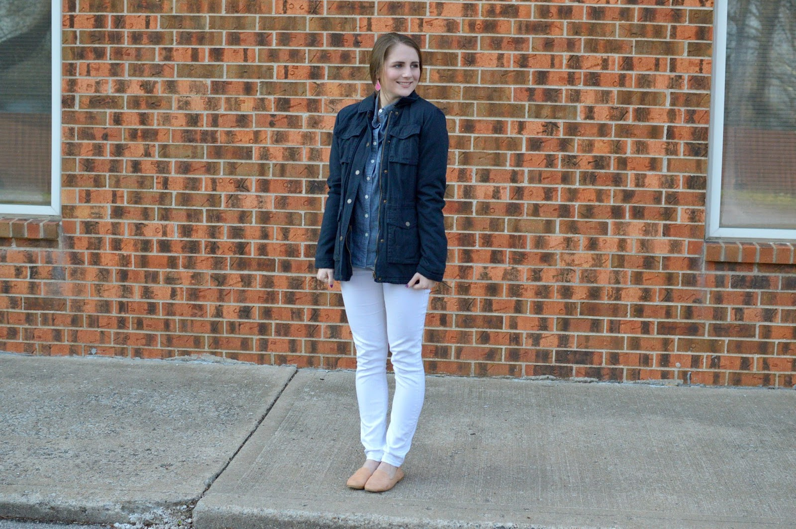 easy spring outfit ideas: navy military jacket outfit idea