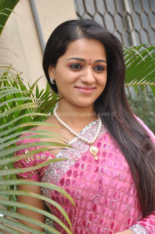 Reshma  photo gallery in pink saree