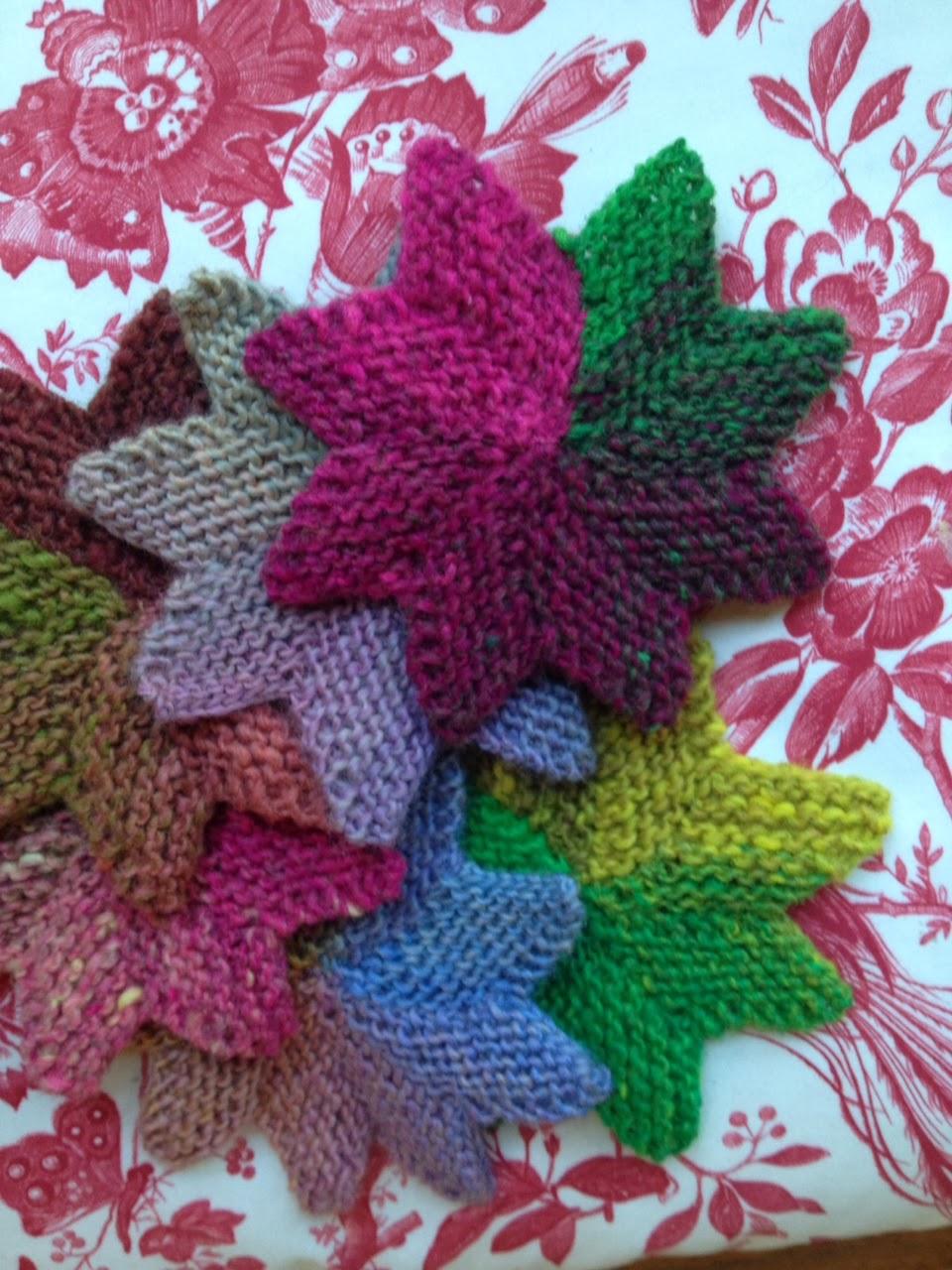 knitnscribble.com: Christmas star knitting pattern