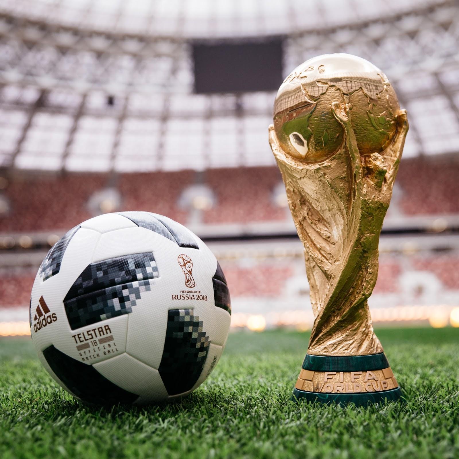 fac69c66846cb adidas Football reveló el Balón Oficial de la Copa Mundial de la FIFA  2018™. El Telstar 18 será utilizado por los mejores jugadores del mundo en  su búsqueda ...