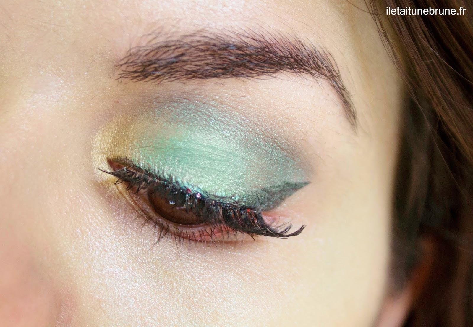 maquillage des yeux ultra colorés