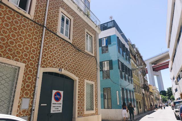ロドリーゲス・デ・ファリア通り(R. Rodrigues de Faria)