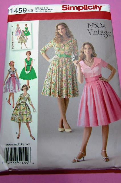 Comprar patrones de costura por internet Simplicity 1459 vestido vintage años 50 baul costurera