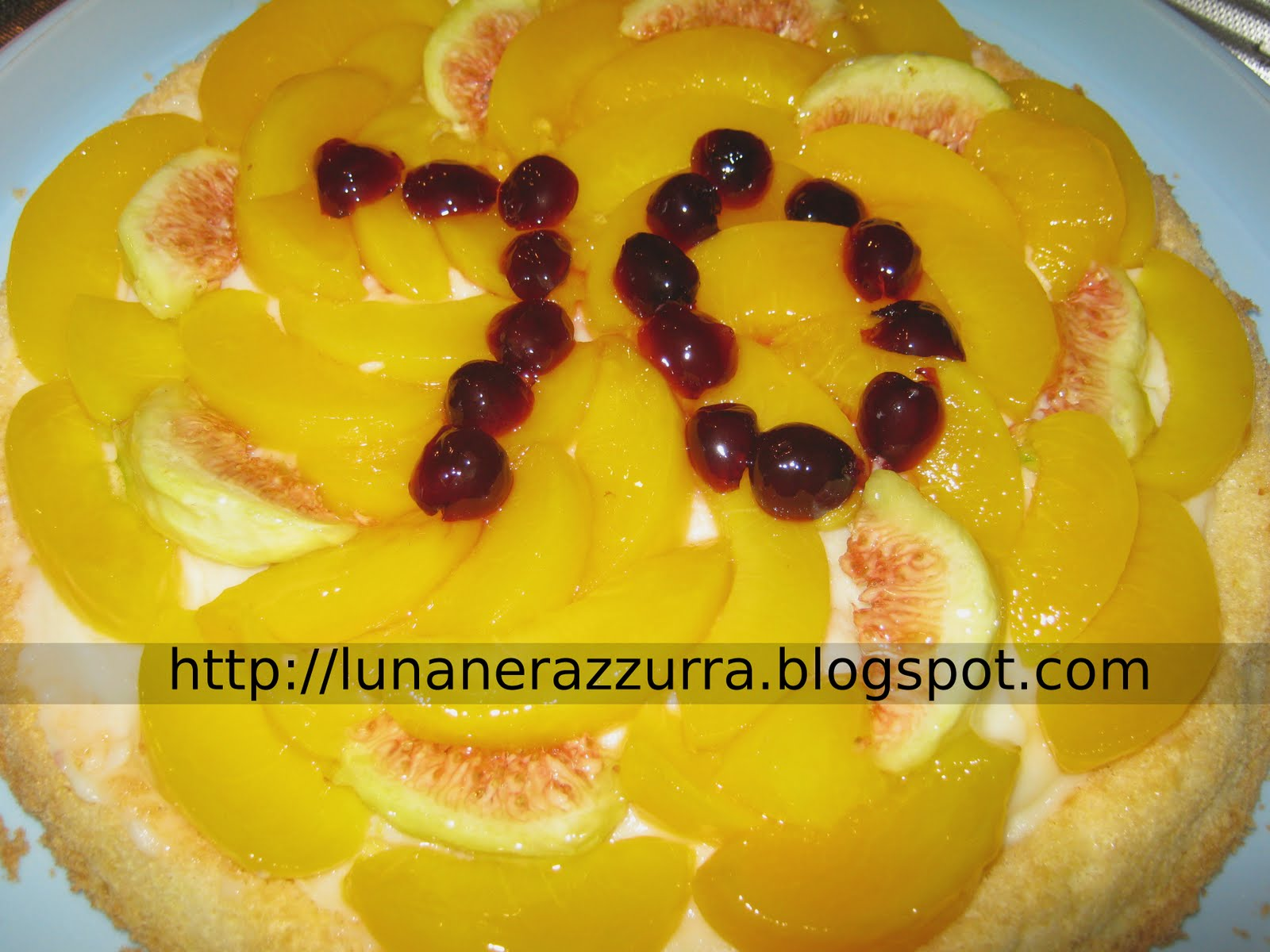 I Pasticci Di Luna Torta A Camicia In Pasta Di Zucchero Per