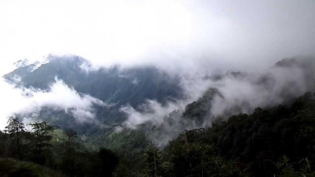 Tay Con Linh mountain 1