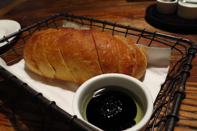 Fish & Meat, bread