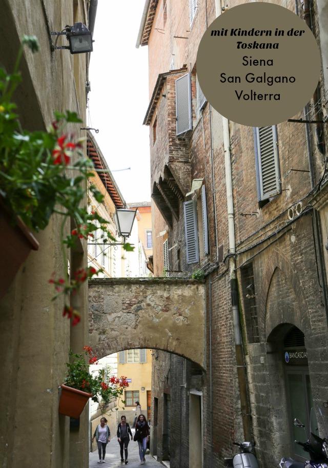 Gasse in Siena Toskana - mit Kindern unterwegs in Siena | Toskana | Italien