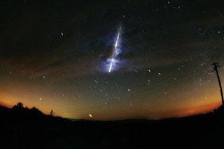 Chuva de meteoros com Lua nova promete espetáculo nos céus