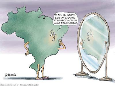 "Brasil, o ""anão diplomático"" por Tosta Neto"