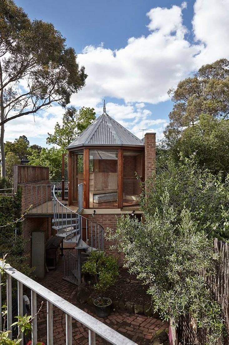 11-Lin-Architecture-with-the-North-Fitzroy-Studio-Tardis-www-designstack-co