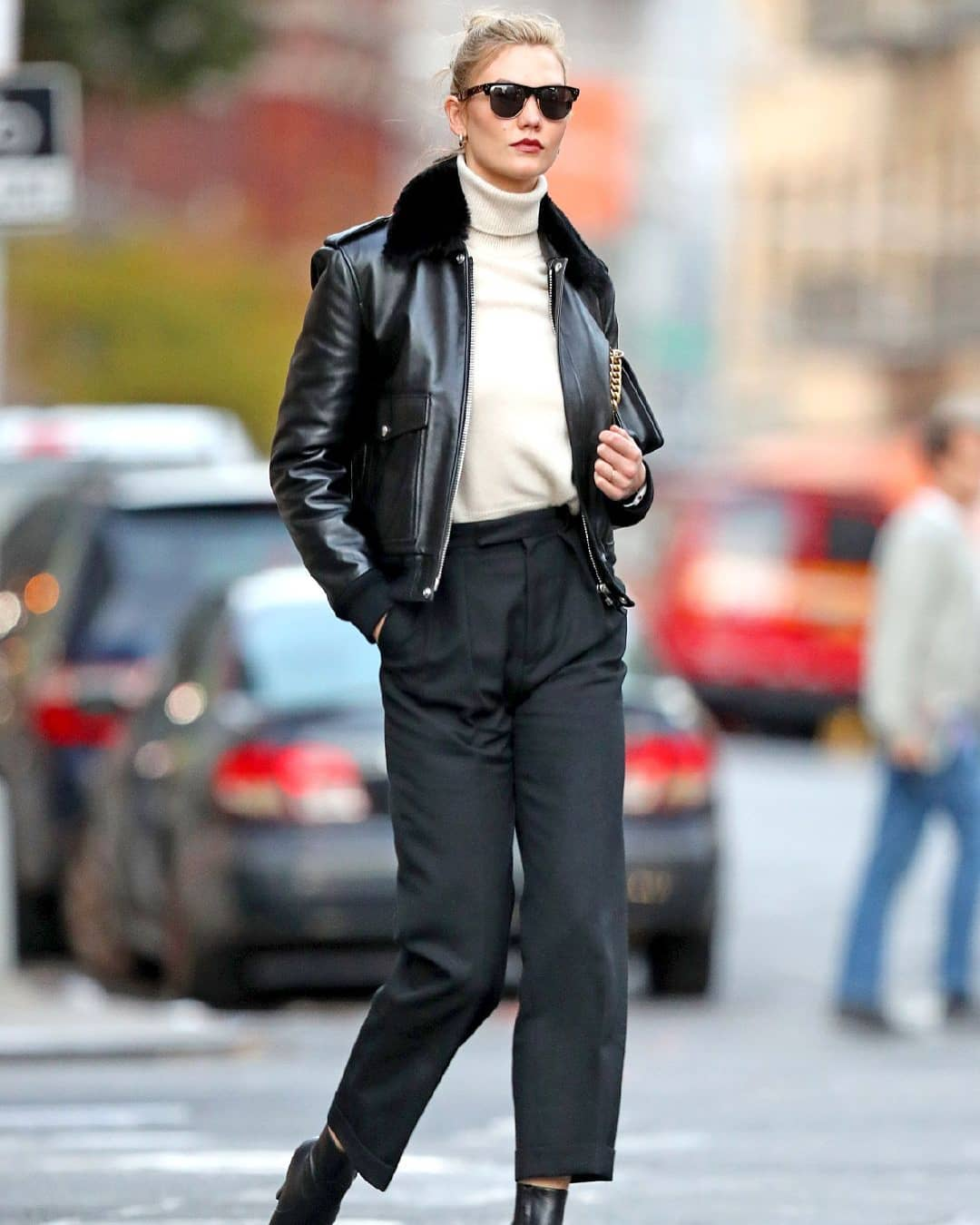 Karlie Kloss Brings Us the Perfect Model Off Duty Outfit