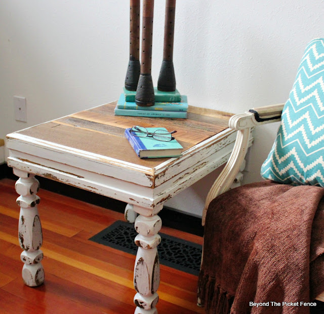 shabby, rustic, end table, barnwood, reclaimed wood, upcycled, http://bec4-beyondthepicketfence.blogspot.com/2016/03/shabby-rustic-table.html