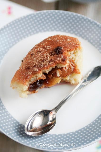 drożdżówki z marmolada i kajmakiem, z pigwy, kajmak, ciasto drożdżowe, daylicooking