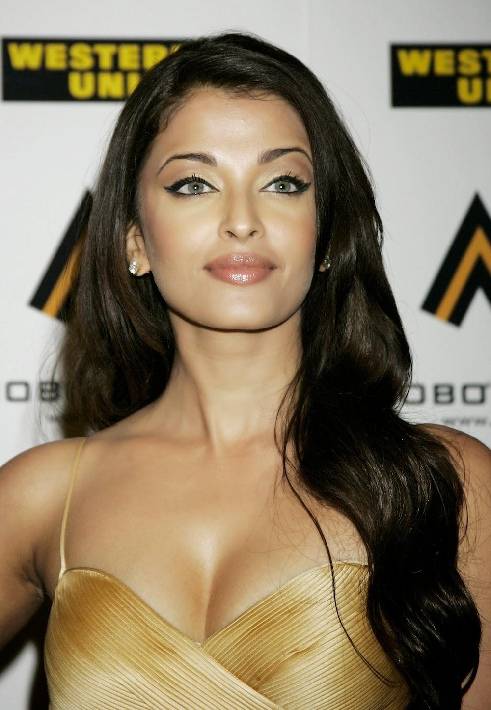 Aishwarya Rai Latest Showing Hot Boobs Bikini Images 2014-15   Beautiful World Celebrities