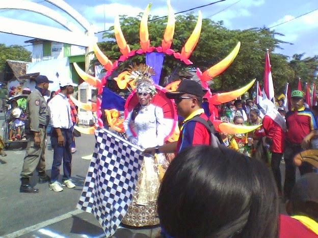 Maskot SD Negeri Tingkis karnaval Kecamatan SInggahan Tuban 2014