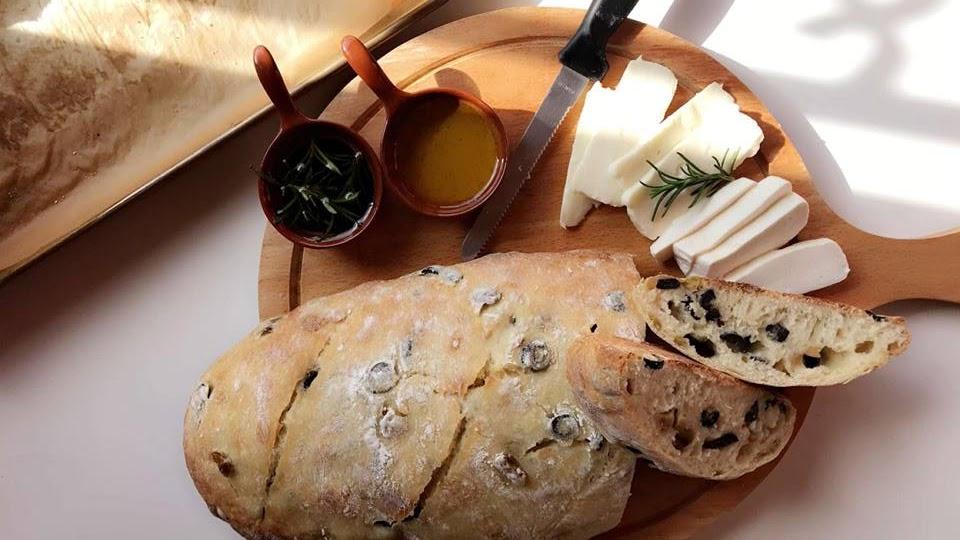 وصفة عمل خبزة الزيتون