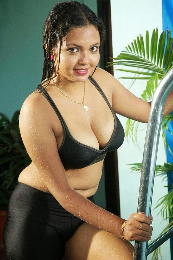 Pictures Bhojpuri Sexy Actress-5839