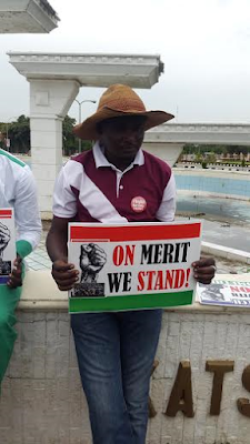 Nigerians march against illegal recruitment, acts of nepotism and tribalism in government (photos)
