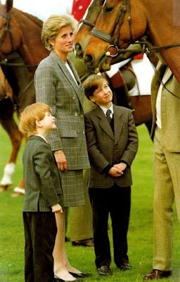Princesa Diana junto a sus hijos