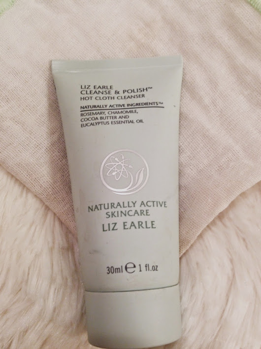 Review | Liz Earle Cleanse & Polish Hot Cloth Cleanser