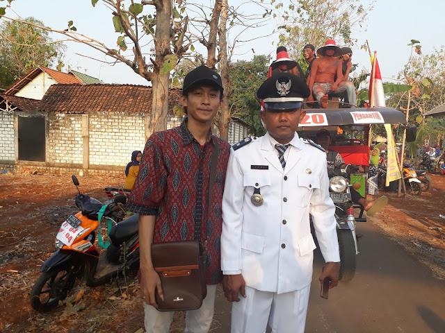 Foto bersama Kepala Desa Tegalbang ( Bapak Yudhi )