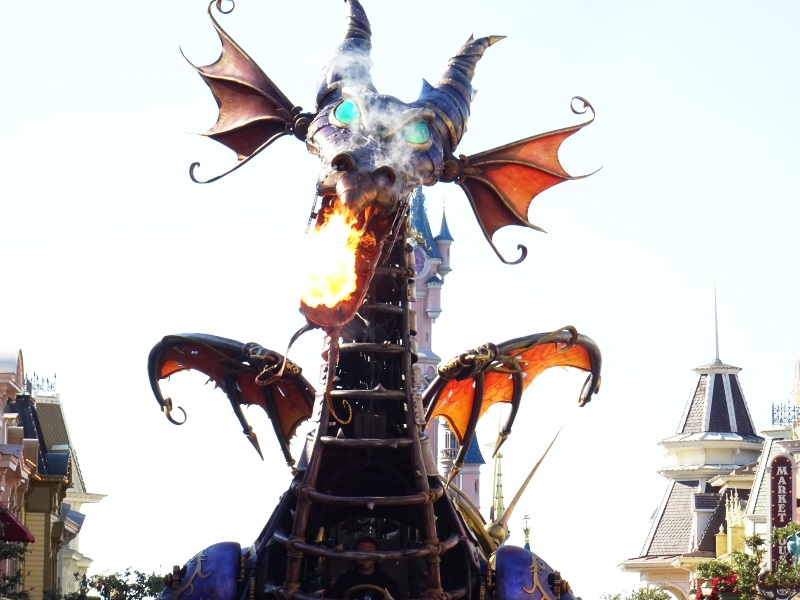 Dragon Maléfique de la parade Disneyland Paris