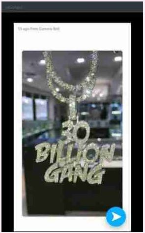Davido Shows Off His New Diamond Encrusted'30Billion Gang' Necklace (Photo)