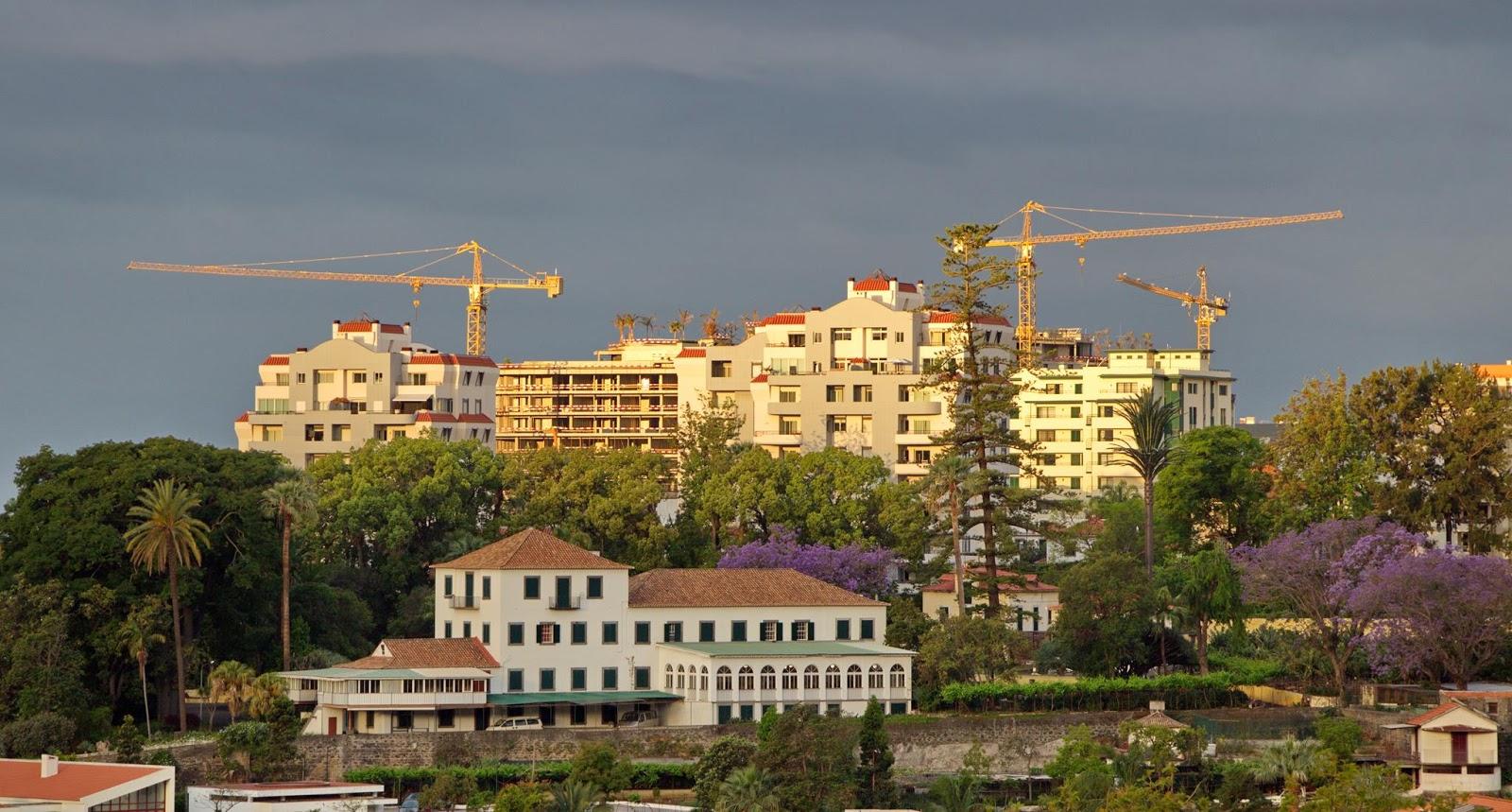 o antigo e o novo hotel