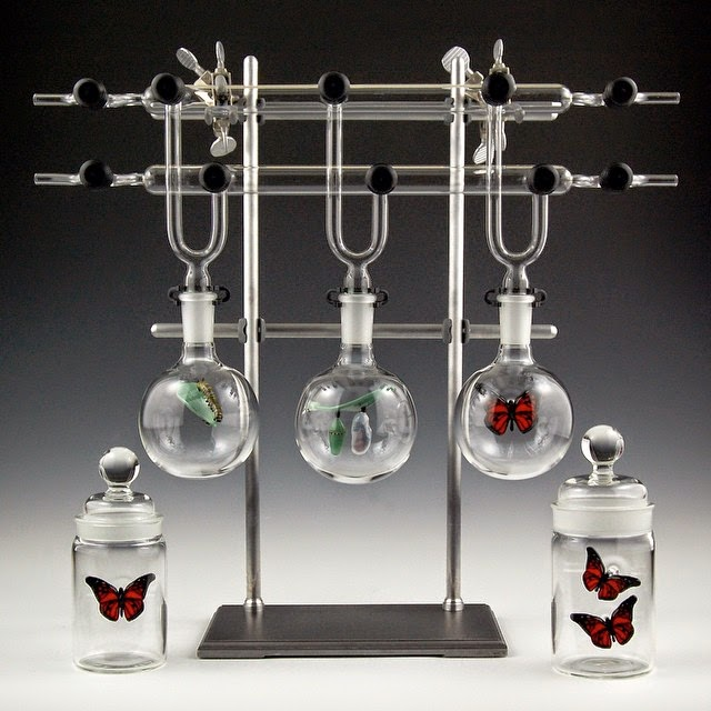 26-Metamorphosis-Kiva-Ford-Scientific-Glassblowing-with-Miniatures-www-designstack-co