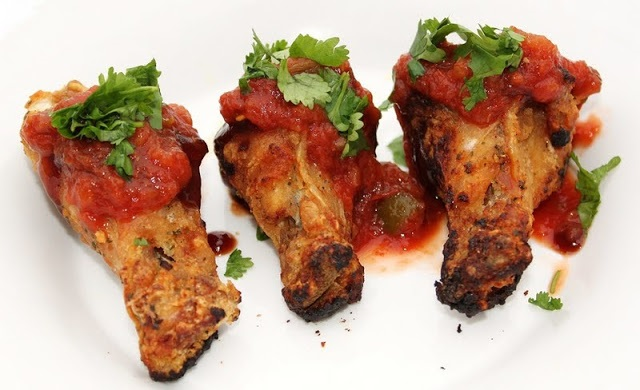 these are how to make Mexican chicken wings with salsa