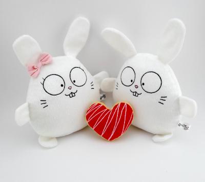 Guyuminos pareja de conejitos blancos de peluche, regalo san valentín, corazón