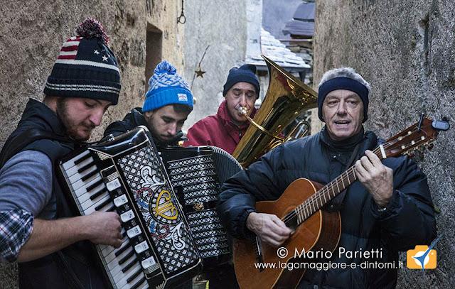 I musicisti a Crealla per la via dei presepi