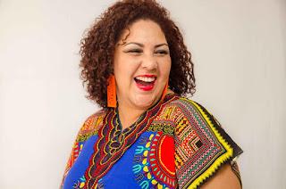 Santa Cruz Shopping realiza show com a ex-'The Voice Brasil' Cinthia Ribeiro