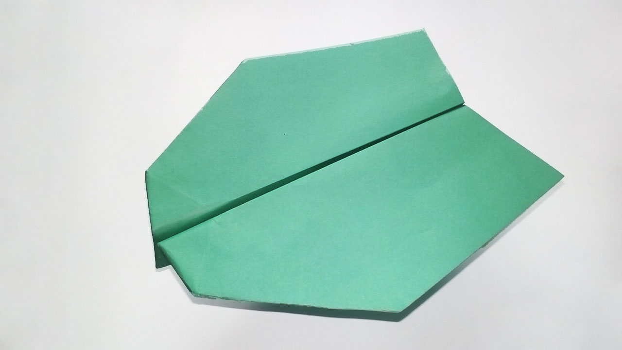 Easy Paper Origami: How to Make the Ultimate Paper Airplane